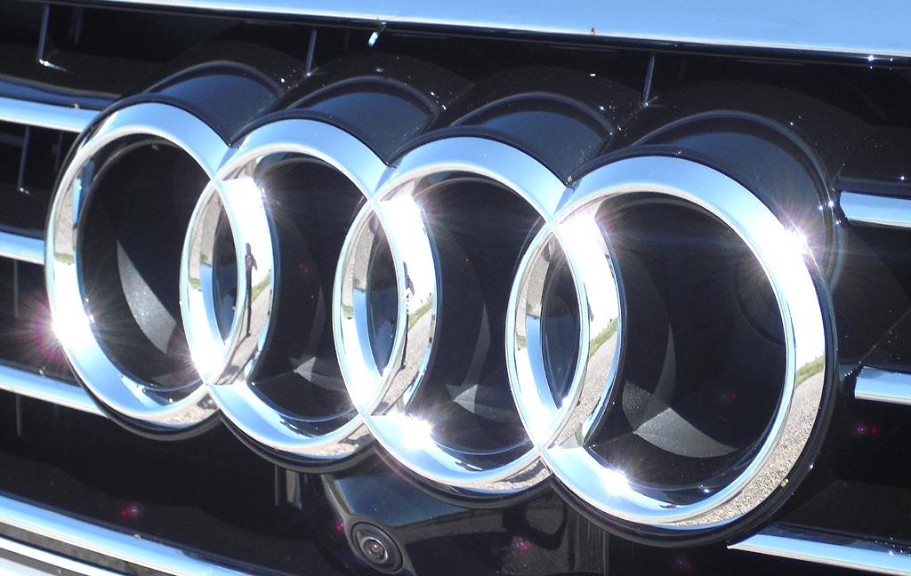 Audi A7 Sportback: Die vier Markenringe sitzen vorn mittig im Kühlergrill.