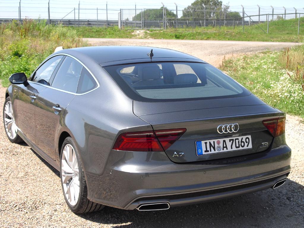 Audi A7 Sportback: Seiten-/Heckansicht.