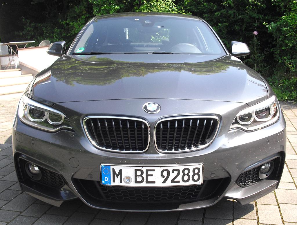 BMW 2er-Coupé: Blick auf die Frontpartie.