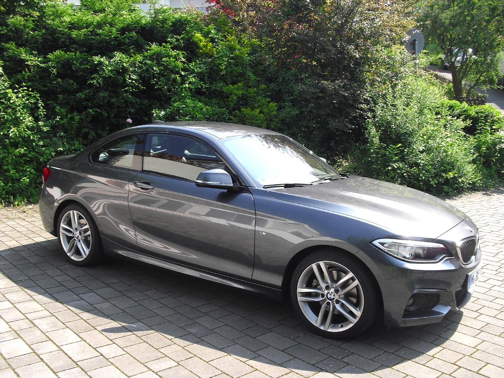 BMW 2er-Coupé: So sieht der zweitürige Viersitzer von der Seite aus.