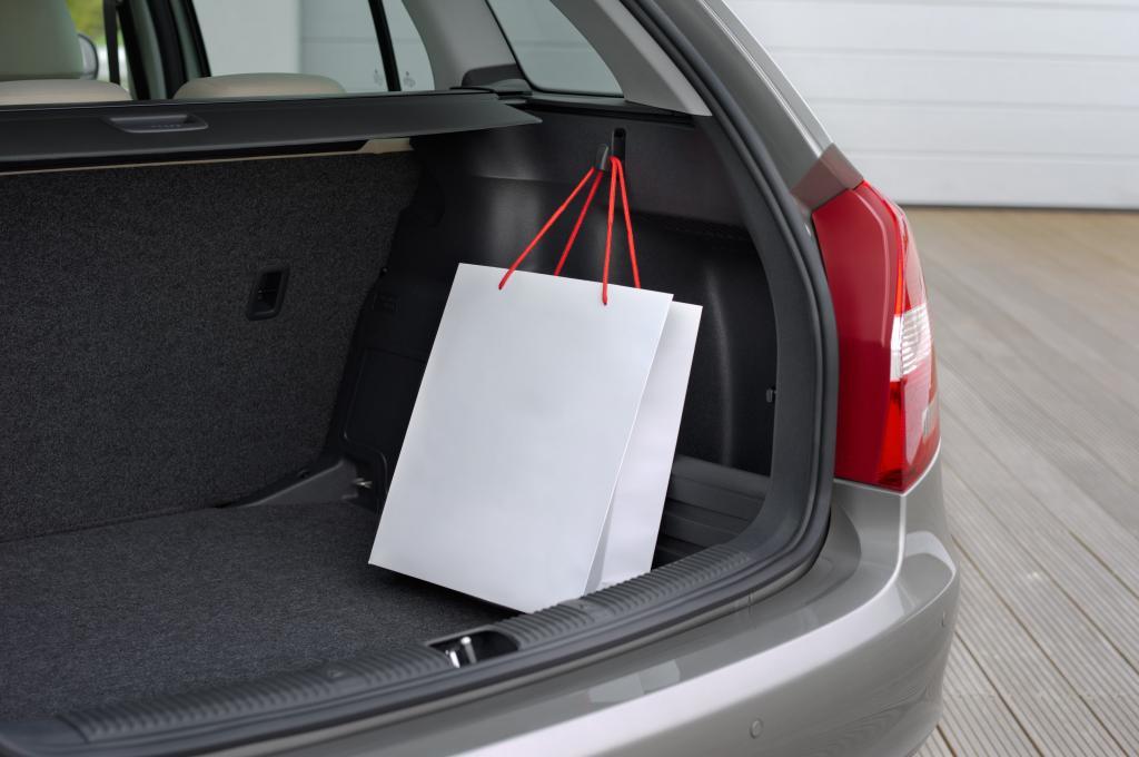 Bei gleichem Radstand hat der Combi deutlich mehr Platz im Kofferraum: 480 bis 1460 Liter passen hinein
