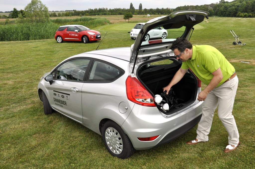 Beim Kofferraumvolumen liegt der Ford Fiesta mit 295 Litern auf dem Papier zwar ganz vorn.