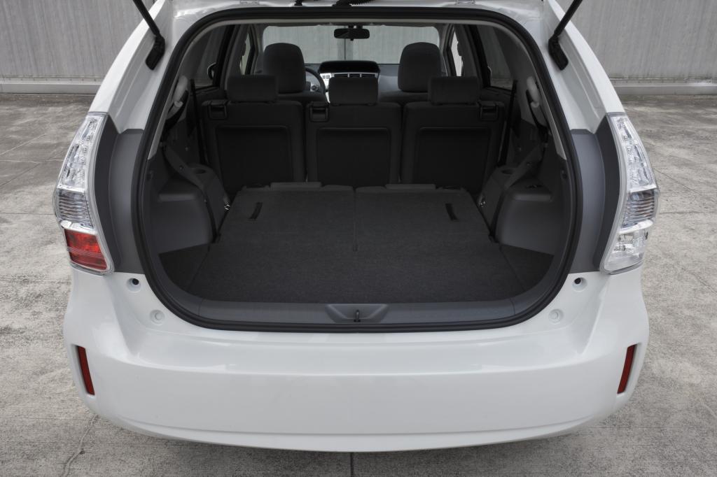 Bis auf baumarkttaugliche 1.750 Liter lässt sich das Kofferraumvolumen durch Umklappen der Rücksitzbank erweitern.
