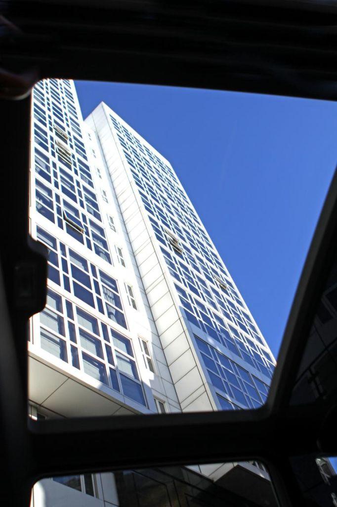 Blick aus dem Fenster des Panoramadaches des Metrocab.
