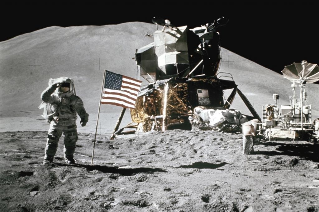 Das Mondauto neben dem Landemodul