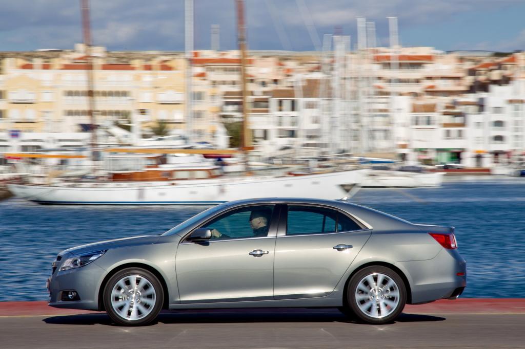 Den ersten Platz unter den Zulassungsexoten 2014 nimmt mit 28 Einheiten die Mittelklasselimousine Chevrolet Malibu ein. Der 4,87 Meter lange Viertürer nahm gegen VW Passat und Co. stets eine Außenseiterrolle ein.