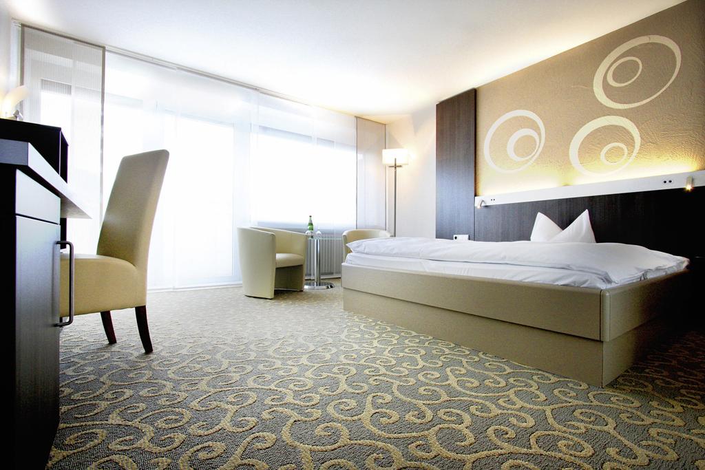 Die 500 Zimmer und Suiten sind modern eingerichtet.