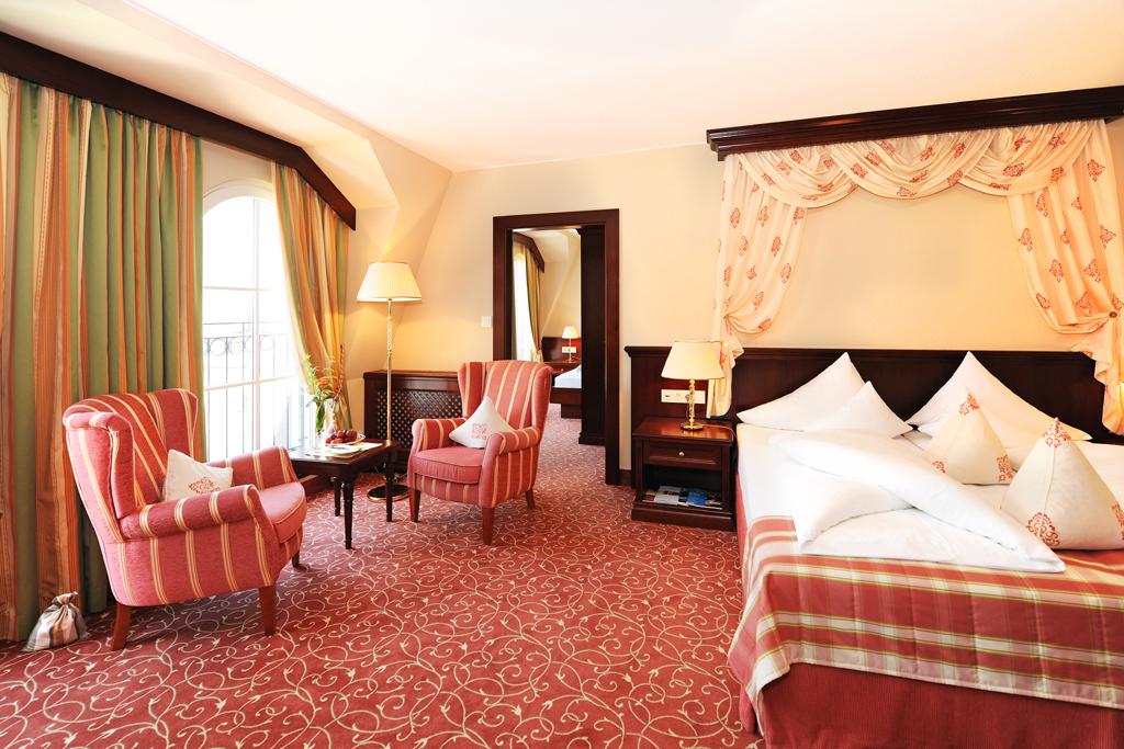 Die 76 Zimmer und Suiten sind stilvoll eingerichtet.