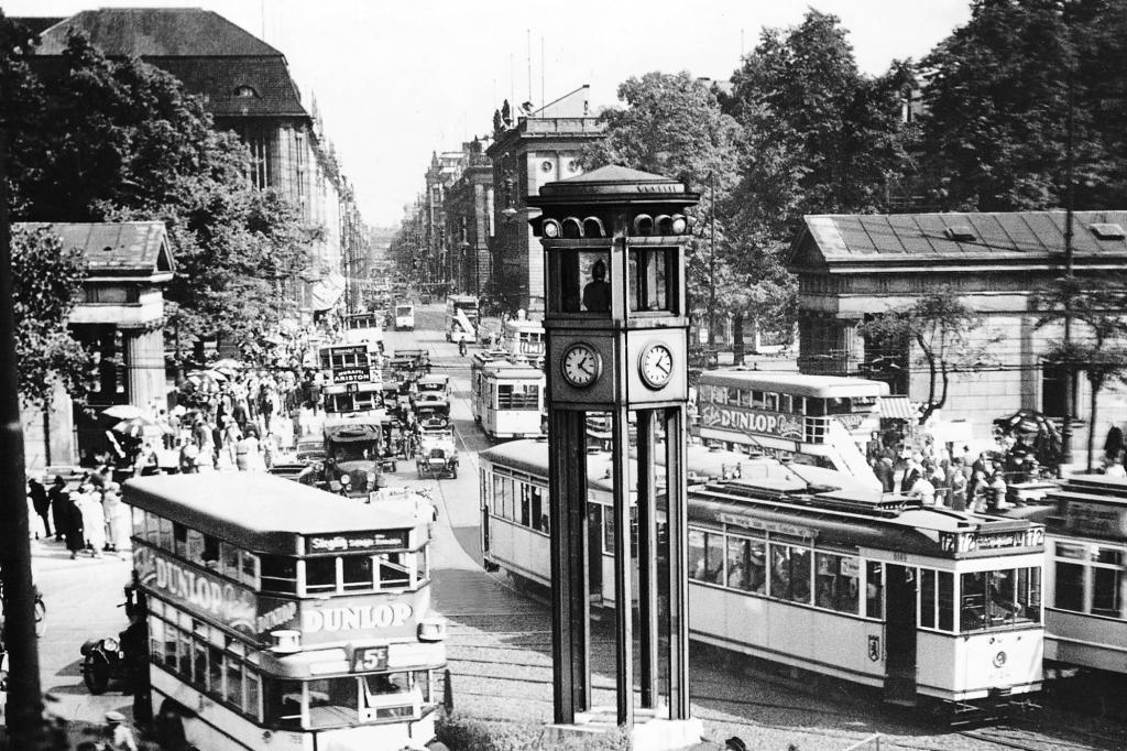 Die erste Ampel Deutschlands wurde 1924 auf dem Potsdamer Platz in Berlin installiert