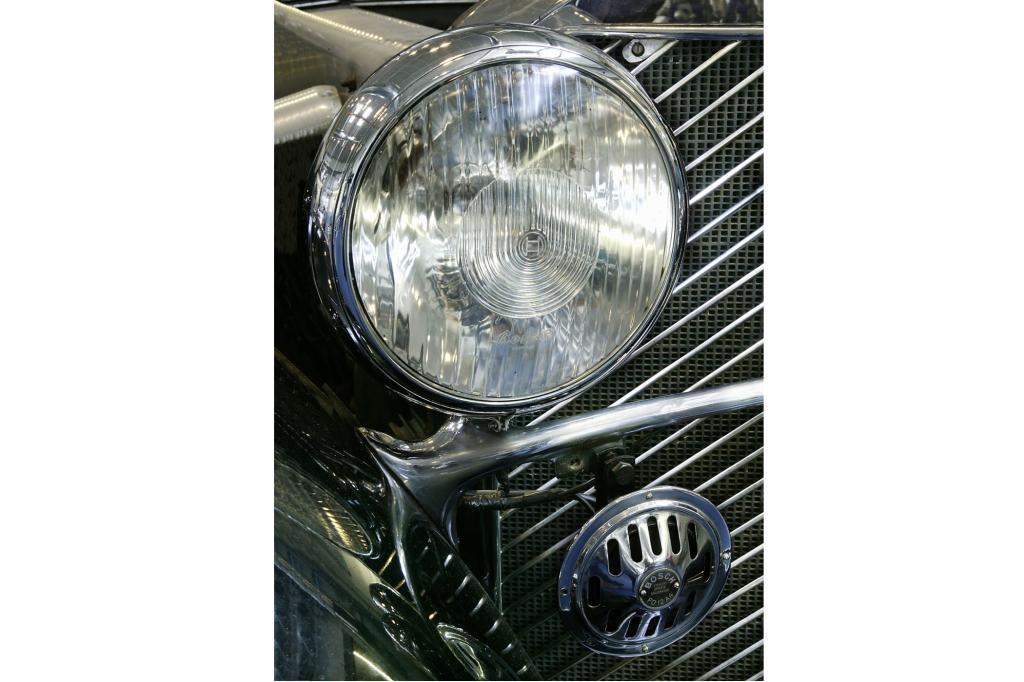 Ein Autoscheinwerfer aus den 30er Jahren