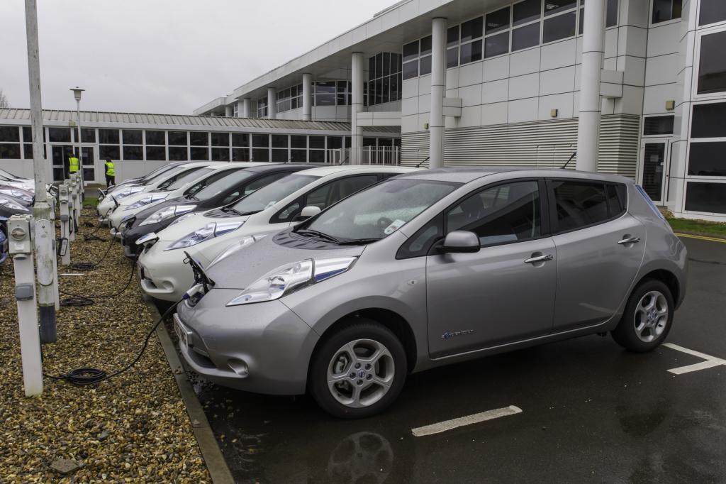 Elektrofahrzeuge - Mehr Dienstwagen unter Strom nötig