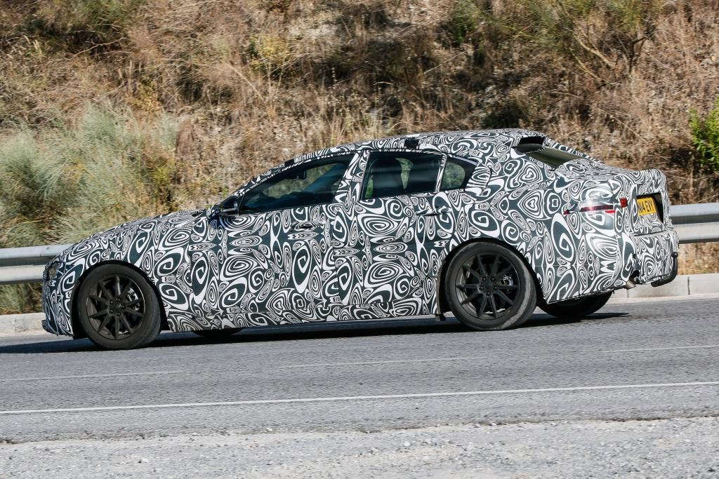 Erwischt: Erlkönig Jaguar XE – Angriff auf die Mittelklasse