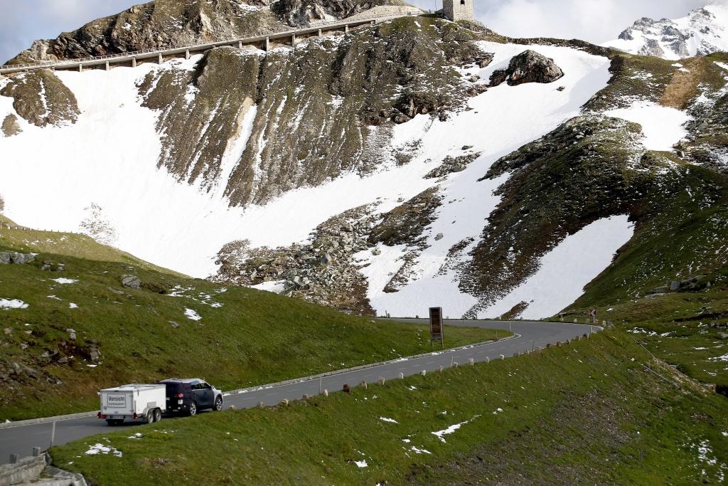Erwischt: Erlkönig Kia Sorento - Unterwegs in den Bergen