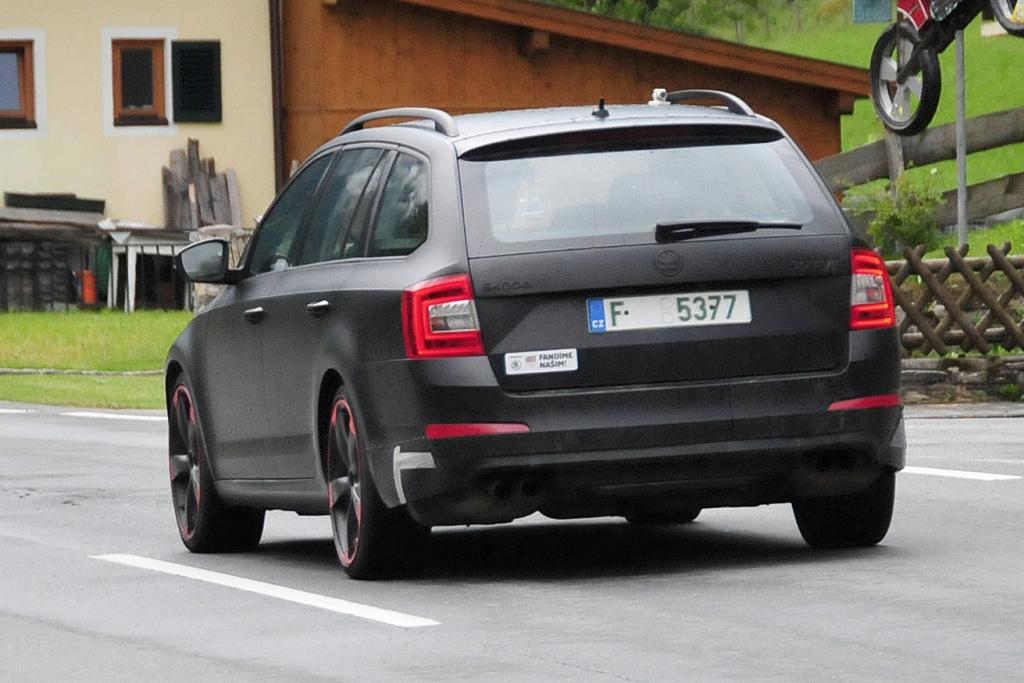 Erwischt: Erlkönig Skoda Octavia RS Plus - Kombi mit 280 PS und Allrad
