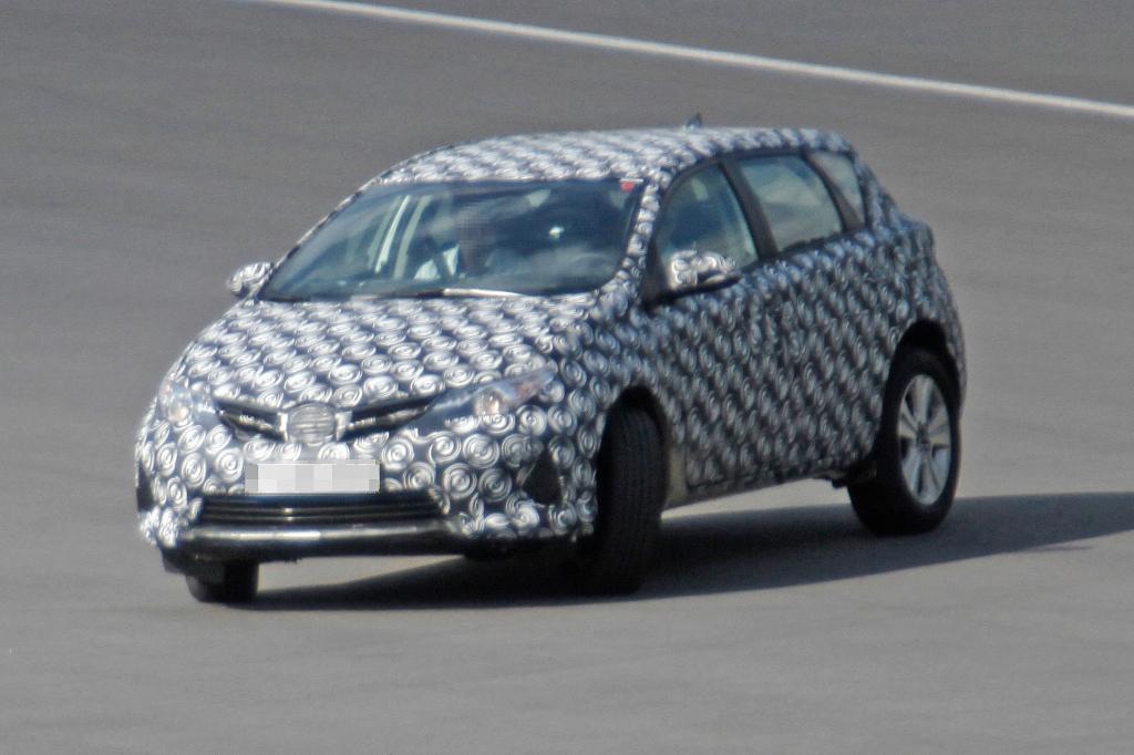 Erwischt: Erlkönig Toyota Cross Auris