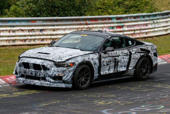 Erwischt: Erlknig Ford Mustang SVT - Nachfolger von Shelby und 500 GT