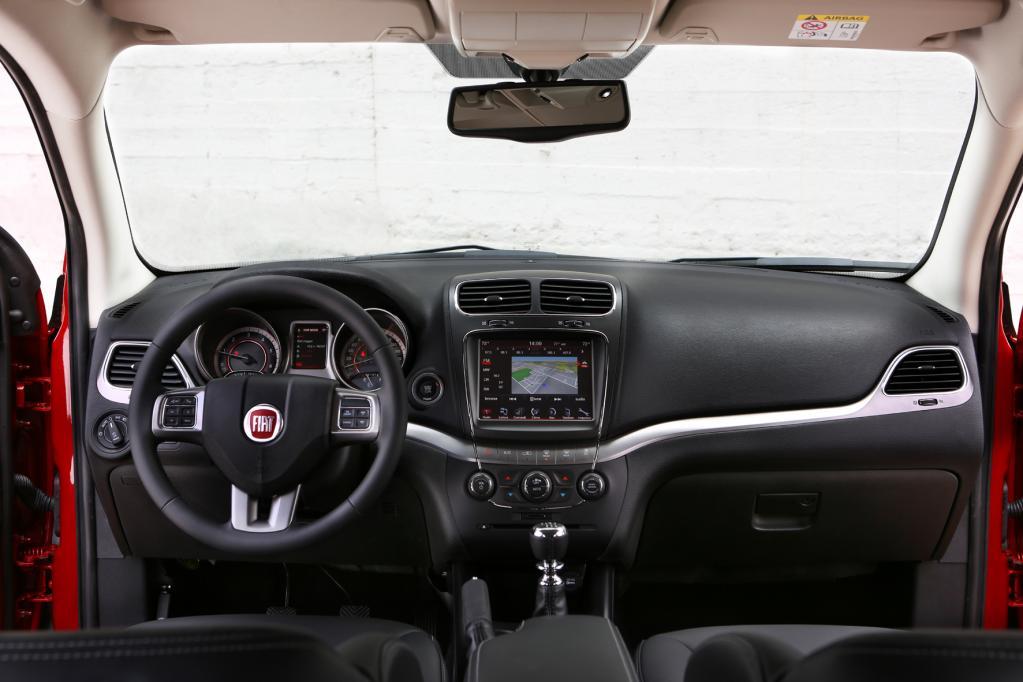 Fiat Freemont Cross: Siebensitzer mit robustem Auftritt