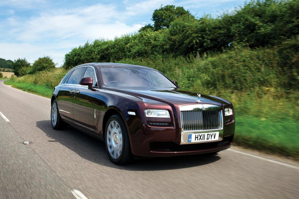 """In den Augen der britischen BMW-Tochter repräsentiert die 5,4 Meter lange Limousine den Status eines """"Einstiegsmodells""""."""