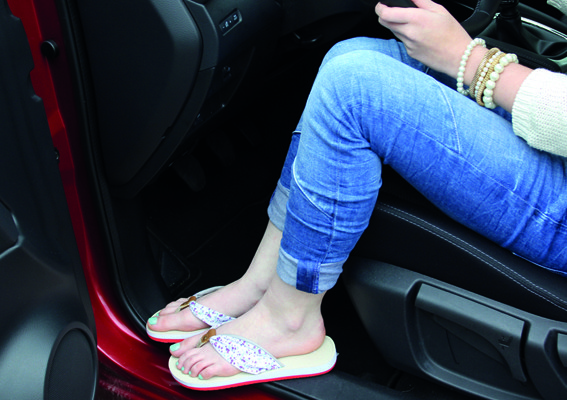 Keine Schuhvorschrift für Autofahrer