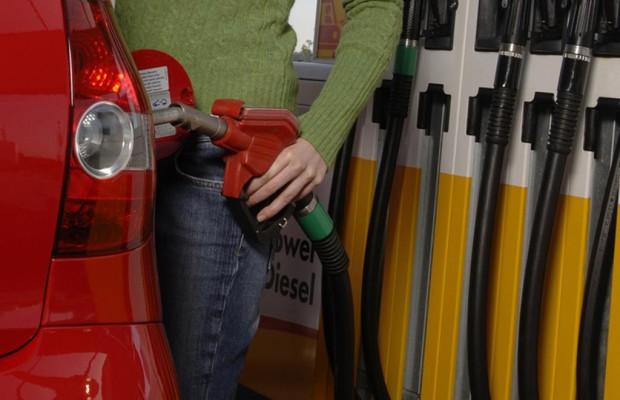 Kraftstoffpreis im Ländervergleich - In den Stadtstaaten tankt man am billigsten