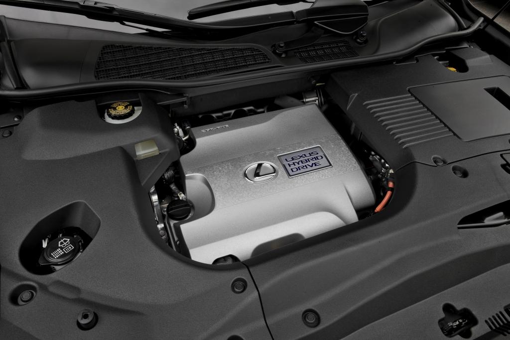 Lexus RX Hybrid: Salon auf großen Rädern