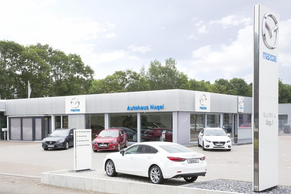 Mazda modernisiert Autohäuser