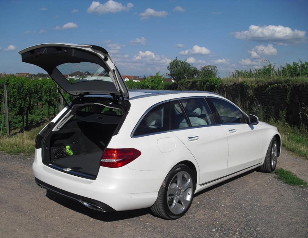 Mercedes C-Klasse T-Modell: Das Gepäckabteil ist auf 490 bis 1510 Liter gewachsen.