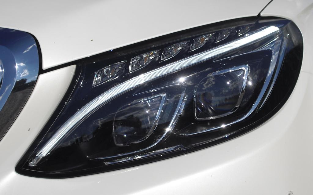 Mercedes C-Klasse T-Modell: Moderne Leuchteinheit vorn.