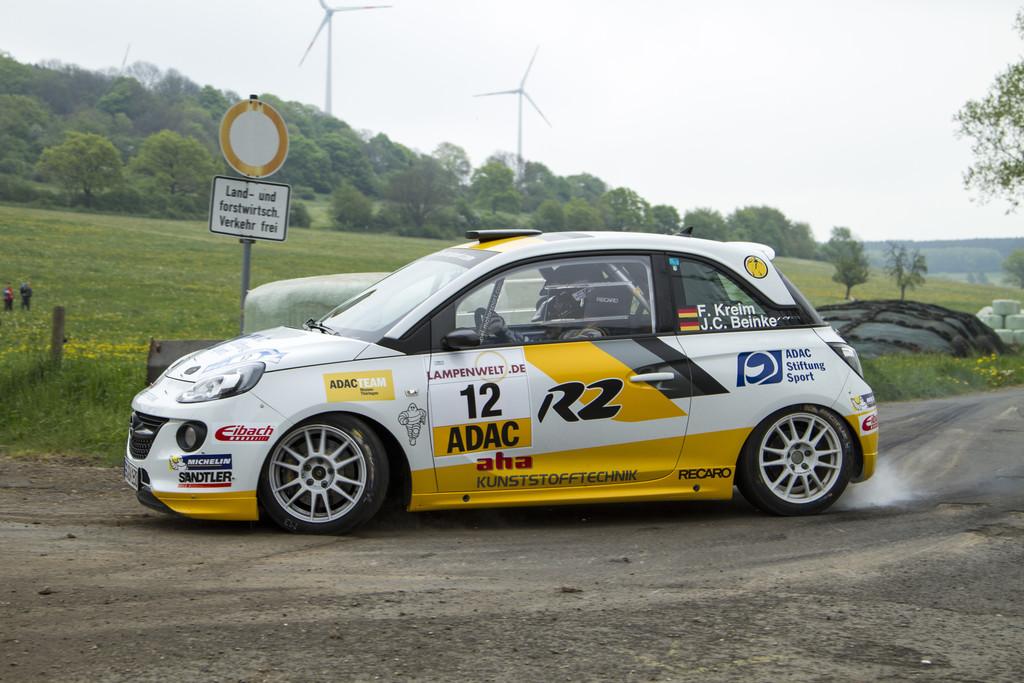 Opel Adam R2 schlägt sich gut in der europäischen Rallye-Szene