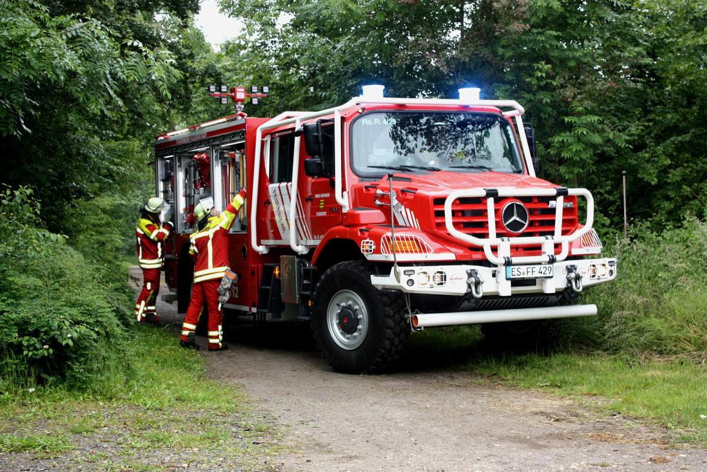 Paul baut Mercedes-Benz Zetros zur Brandbekmpfung um