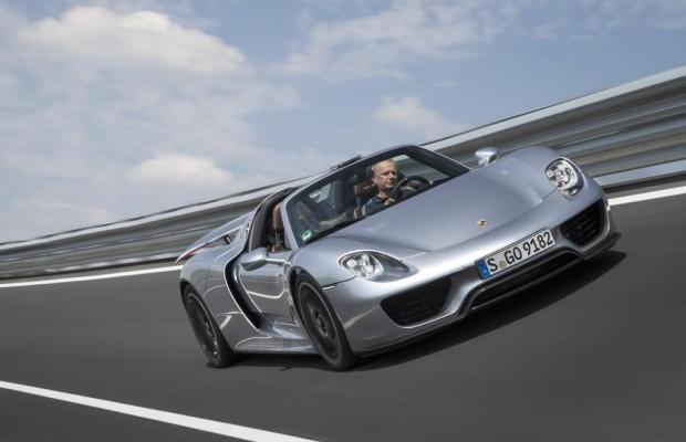 Porsche 918 Spyder: Tiefflug mit 345 km/h