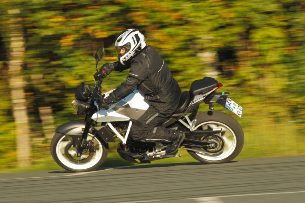 Schnittiges Design komplettiert das vielversprechende Discount-Bike für 3.500 Euro.