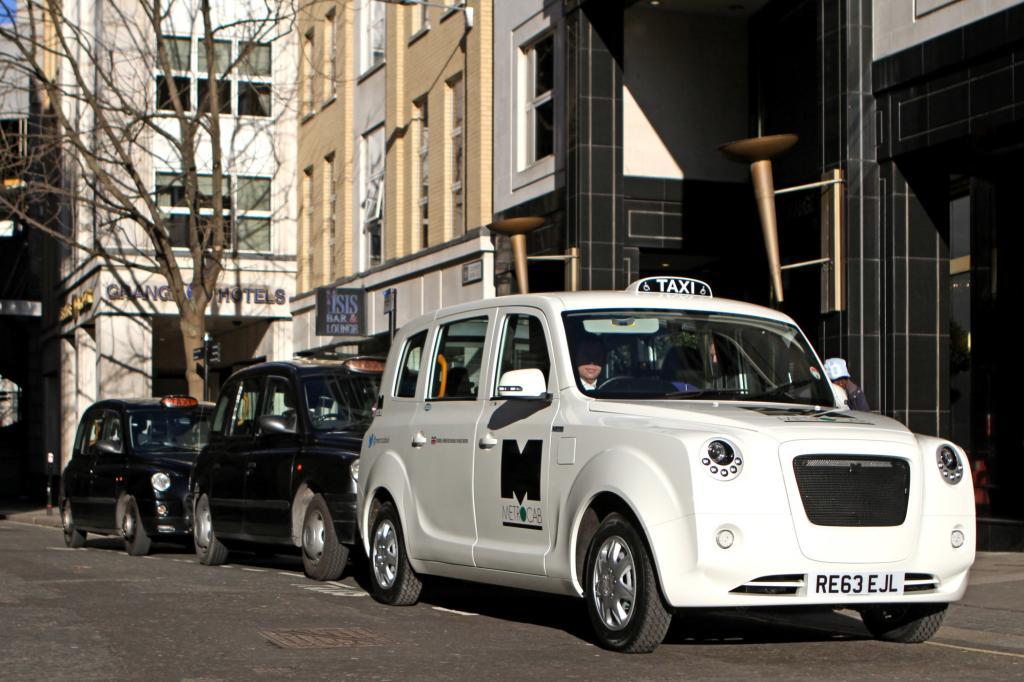 Schon in diesem Sommer sollen Taxifahrer ihre neuen Dienstwagen testen und  im ersten Quartal 2015 will Siddiqi mit der Produktion beginnen.