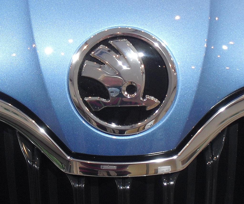 Skoda Octavia Scout: Das Markenlogo sitzt vorn auf der Motorhaube.