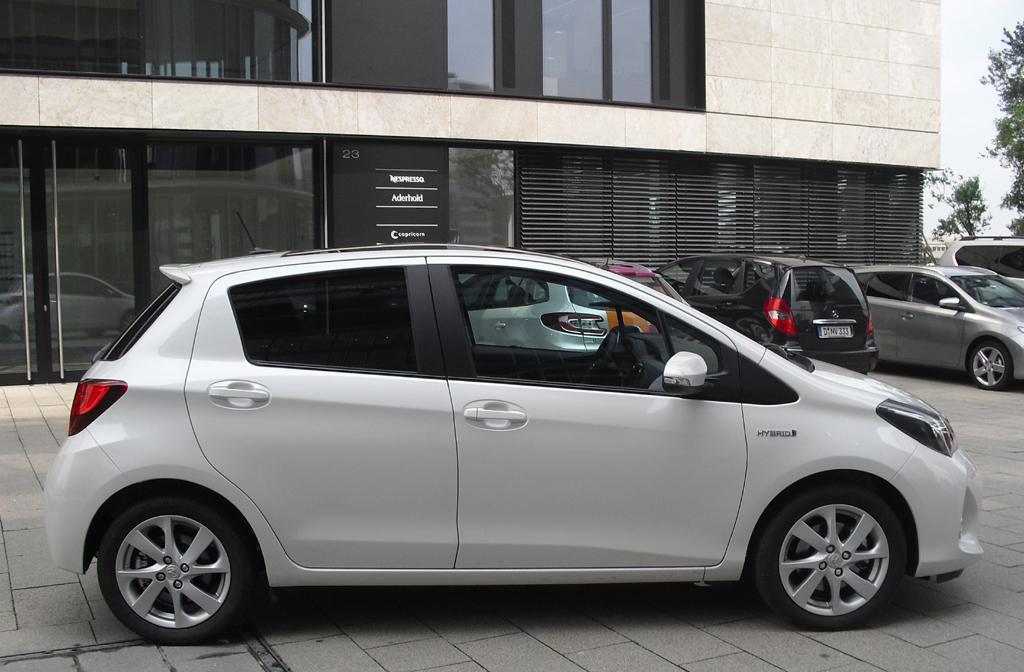 Toyota Yaris: So sieht der Kleinwagen von der Seite aus.