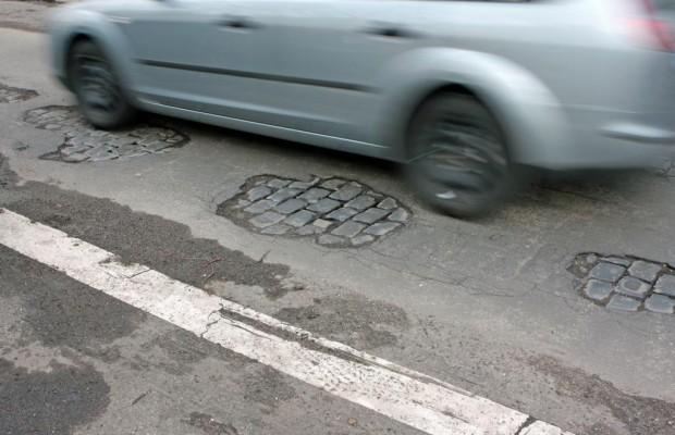 Umfrage zu Straßenverhältnissen - Gefährliche Schlaglöcher