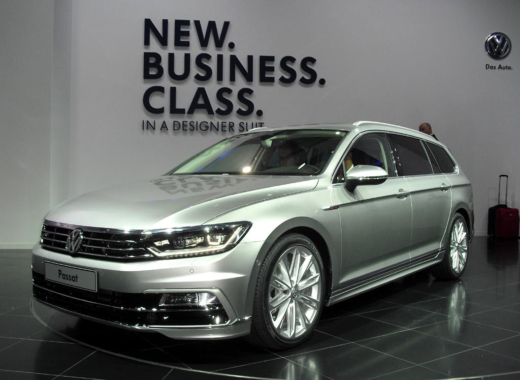 VW Passat, hier als Variant mit R-Line-Paket.