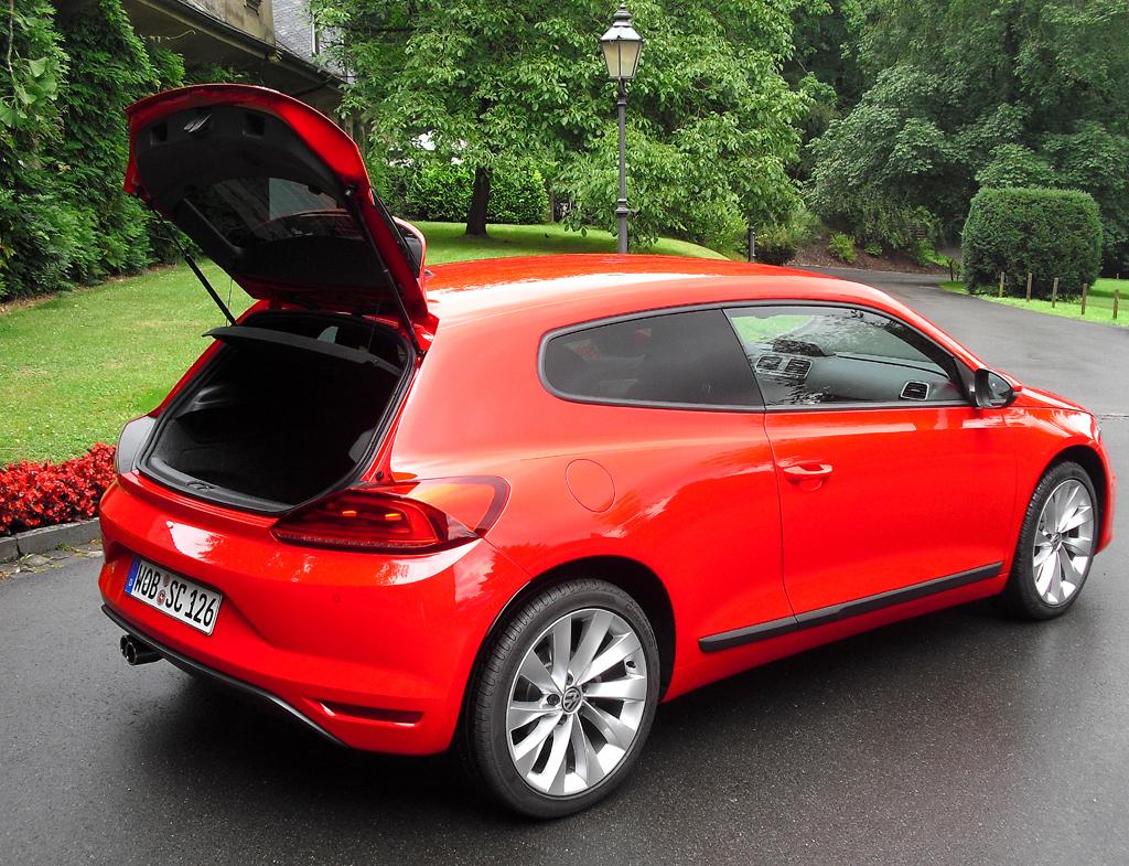 VW Scirocco: Das Gepäckabteil fasst immer noch 312 bis 1006 Liter.