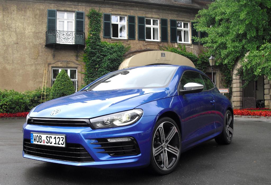 VW Scirocco: Das R-Spitzenmodell gibt sich auch äußerlich noch einmal sportlicher.
