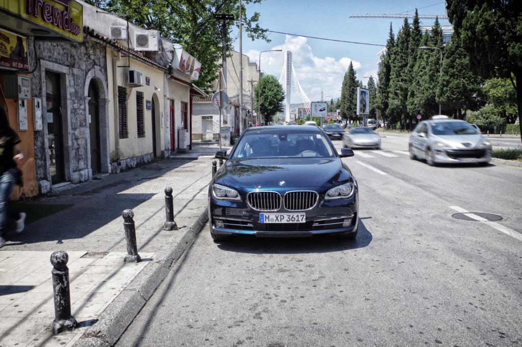 Wir haben die Auto-Reisetauglichkeit Europas auf die Probe gestellt und uns mit einem BMW 750d xDrive auf den Weg Richtung Südosten gemacht