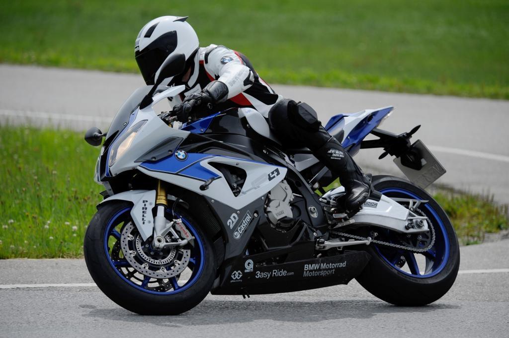 ABS und Stabilitätskontrolle fürs Motorrad - Mehr Sicherheitstechnik für alle