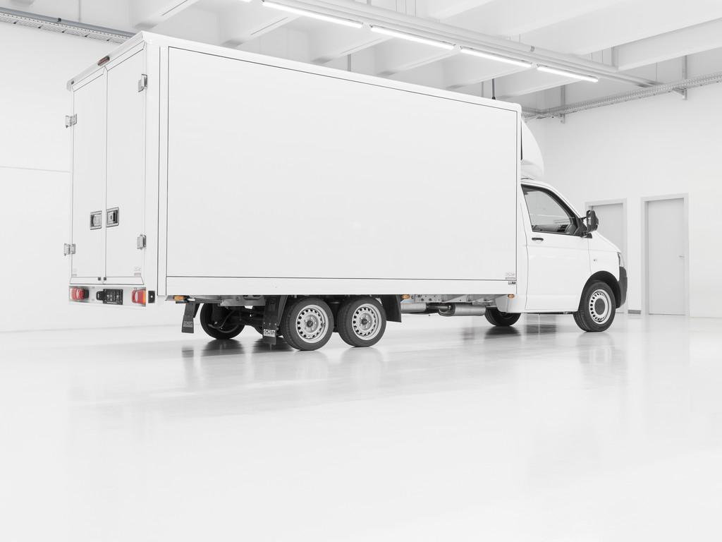 Alko rüstet den VW Transporter zum Doppelachser auf