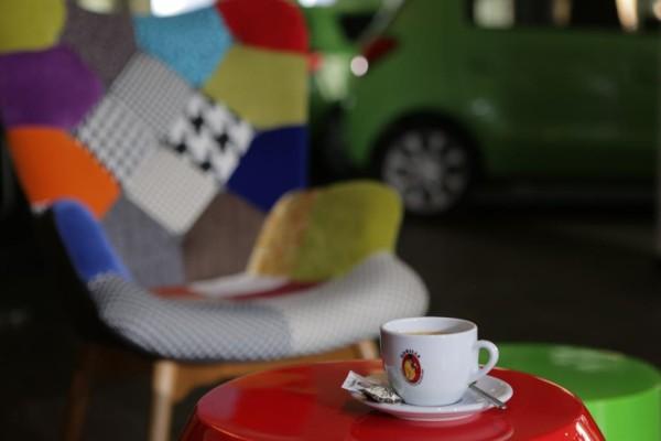 Autokauf beim Kaffeeklatsch
