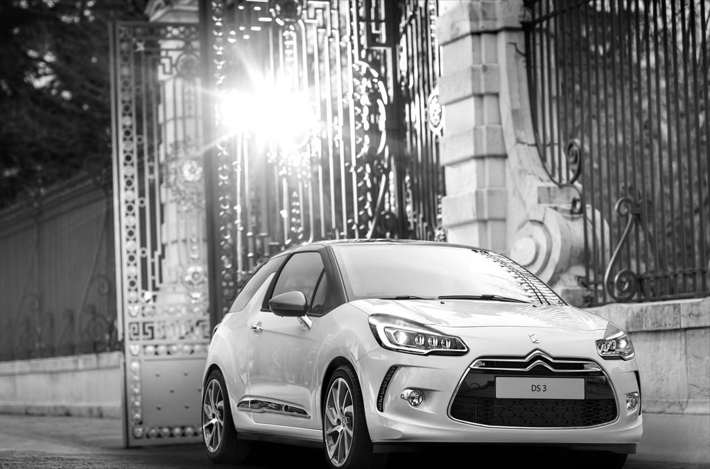 Citroen DS 3 fährt Pariser Skyline spazieren