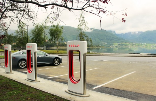 Das Netz wächst – Tesla eröfnet 50. Supercharger in Europa
