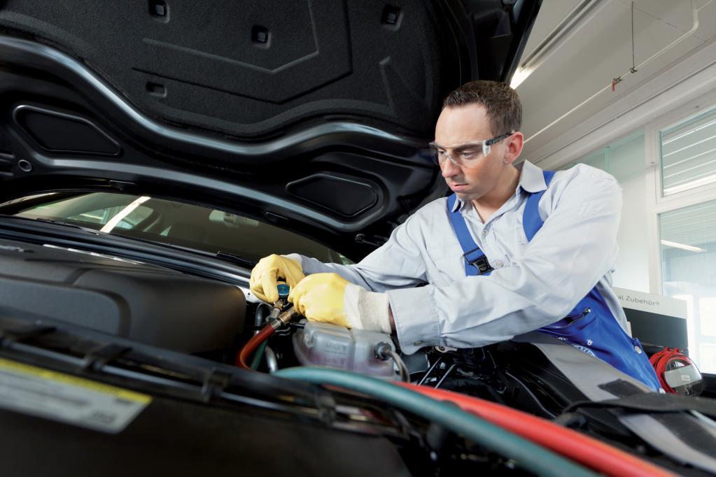Dem Auto-Klimaanlagenausfall auf der Spur
