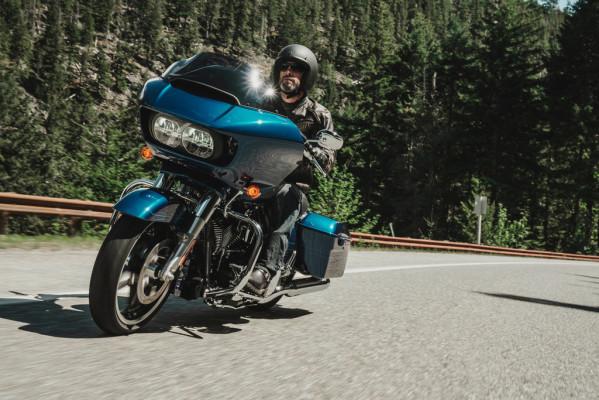 Die Harley-Davidson Road Glide kehrt 2015 zurück
