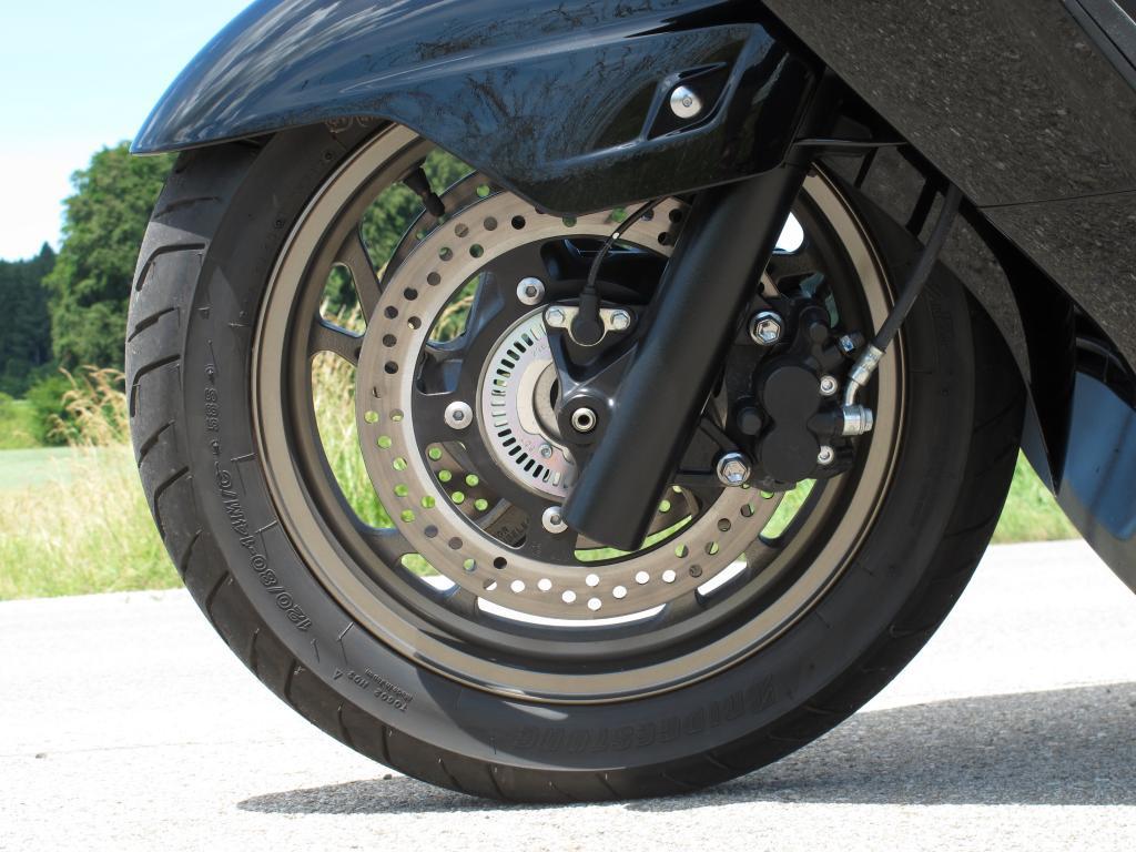 Die nicht allzu groß dimensionierten Räder vermitteln nicht so viel Stabilität wie größere.