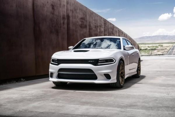 Ein Auto mit 527 kW/717 PS, 881 Newtonmetern Drehmoment, vier Türen und Stufenheck? Das ist der Dodge Charger SRT Hellcat