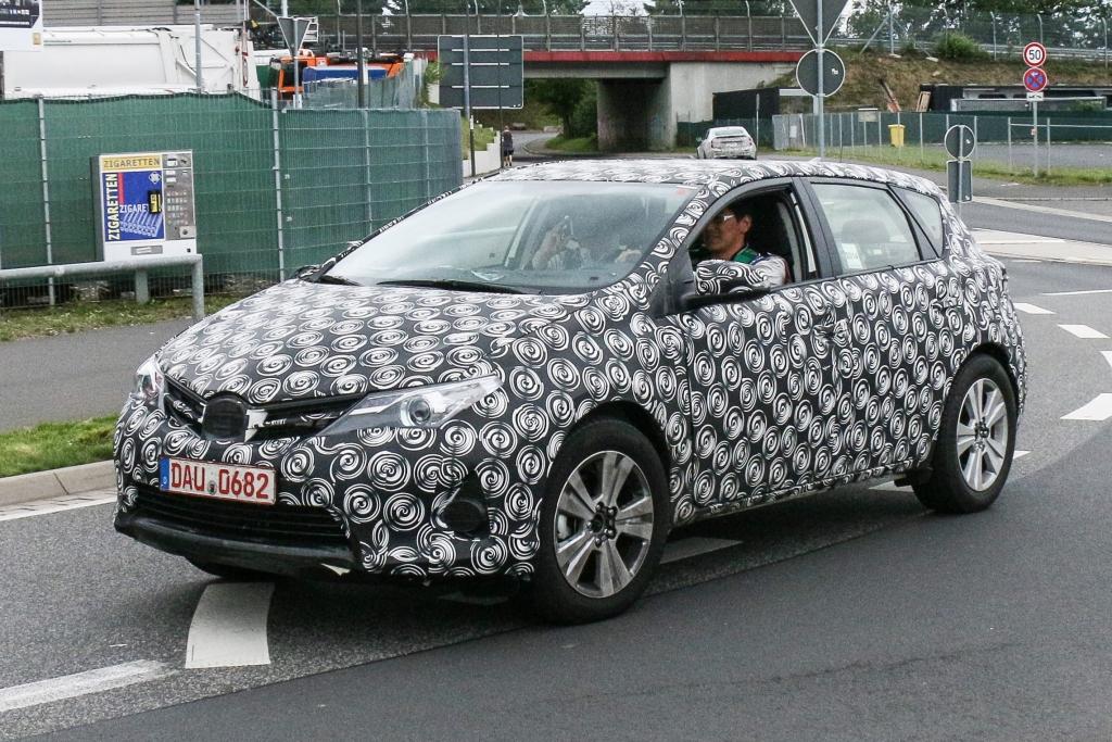 Erwischt: Erlkönig Toyota Auris Cross – Modell ohne Namen